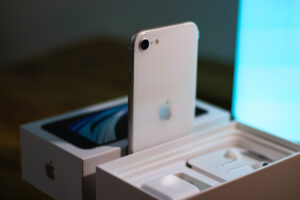 Refurbished iPhone se 2020